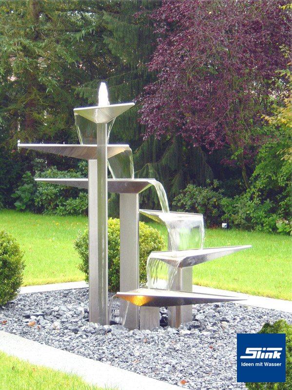 Edelstahl-Designer-Objekt D-Line - Slink | Ideen mit Wasser