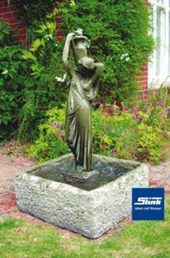 Steinbrunnen Figur Domicella Aqua