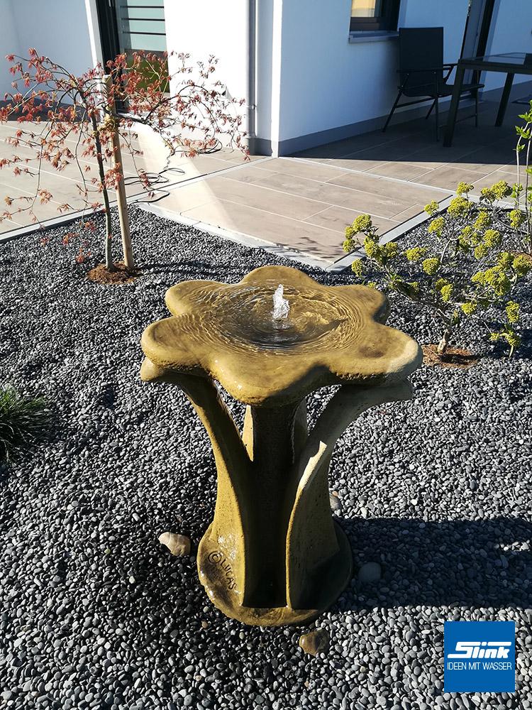 Springbrunnen, Water Feature, Fountain, Wasserspiel, Gartengestaltung, Steinbrunnen