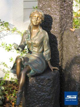 Emily I Bronzefigur