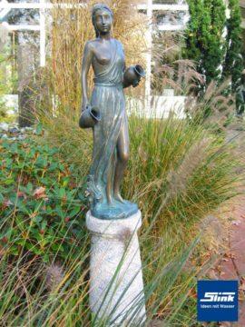 Bronzefigur Kassandra II wasserspeiend