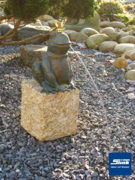 Bronzefigur Froschkönig wasserspeiend