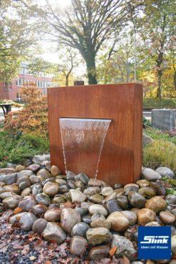 Wasserfall-Stele Cortenstahlbrunnen – Variante 2