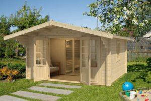 grosse_Holzhaus_Sauna