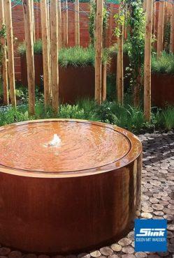 Gartenbrunnen Cortenstahl-Rundtisch