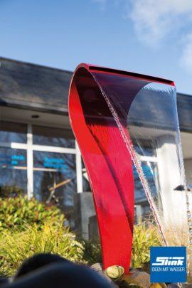 Edelstahlobjekt Wasserfall Swing Color mit Beleuchtung