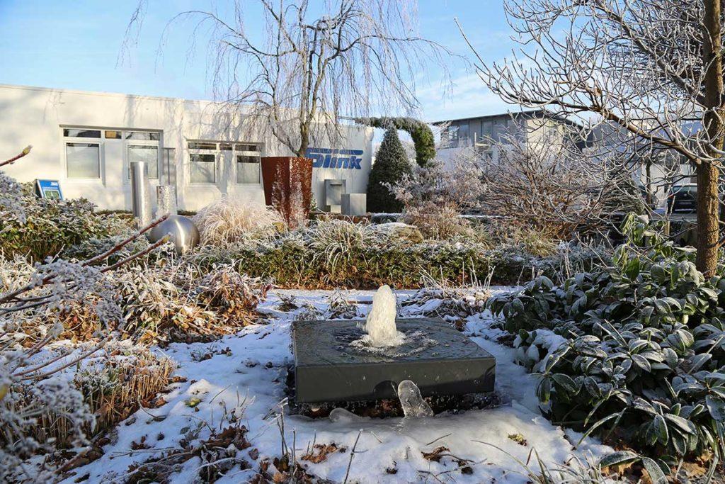 Gartenbrunnen Aluminium Alubrunnen Aluminiumspringbrunnen Gartenbrunnen modern