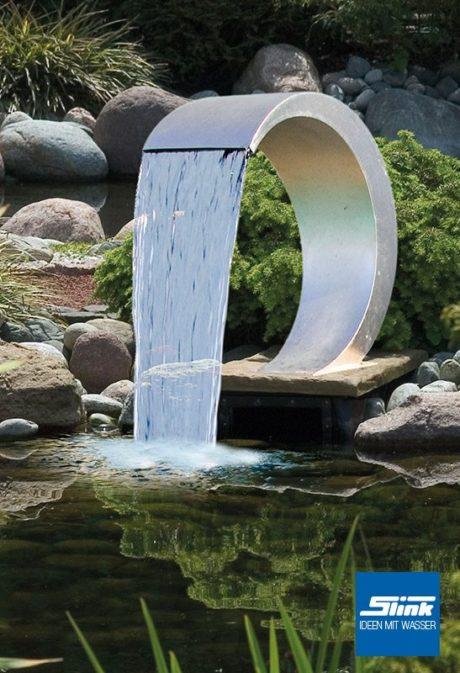 Edelstahl-Wassserfall Wasserfall am Teich Wasserauslauf Edelstahl geschwungener Wasserfall halbkreis