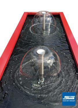 Formales Becken mit Wasserglocke und Alu-Beckenrandabdeckung