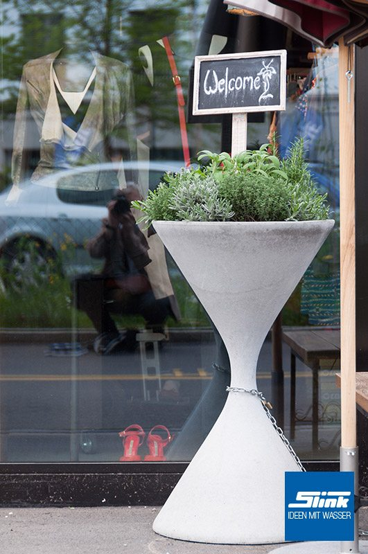 Designer-Pflanzgefäß Spindel Diabolo Willy Guhl Pflanzkübel Eternit Swisspearl Gartendesign betonoptik Designklassiker