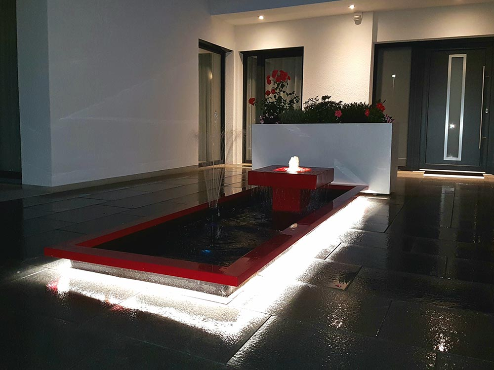 Kubus-Brunnen Design für den Garten mit rechteckigem Wasserbecken