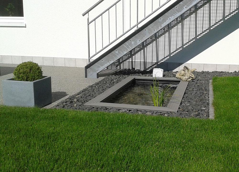 GFK-Teichbecken Wasserbecken Holzumrandung WPC moderner Miniteich im GArten Terrasse