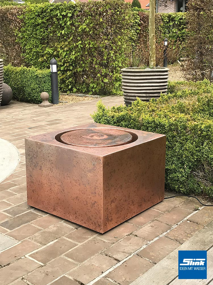 gartenbrunnen terrassenbrunnen kupferquader slink ideen mit wasser. Black Bedroom Furniture Sets. Home Design Ideas