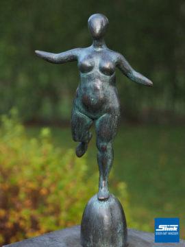 Bronzefigur Venus patiniert