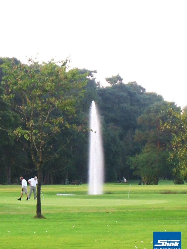Golfplatz Wasser, Springbrunnen bauen, Fontäne, große Wasserfontäne, Golfanlage, Planung