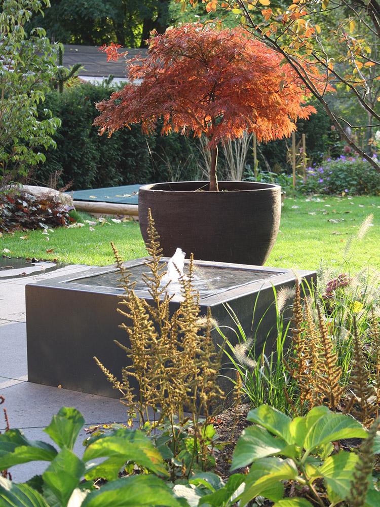 Designer-Wassertisch, Terrassenbrunnen, Zimmerbrunnen, Springbrunnen, Gartenbrunnen, Aluminium, grau, RAL 7016