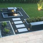 Designer-Springbrunnen. moderne Gartengestaltung, Gartenbrunnen, Alubrunnen, rechteckig, formal, architektur