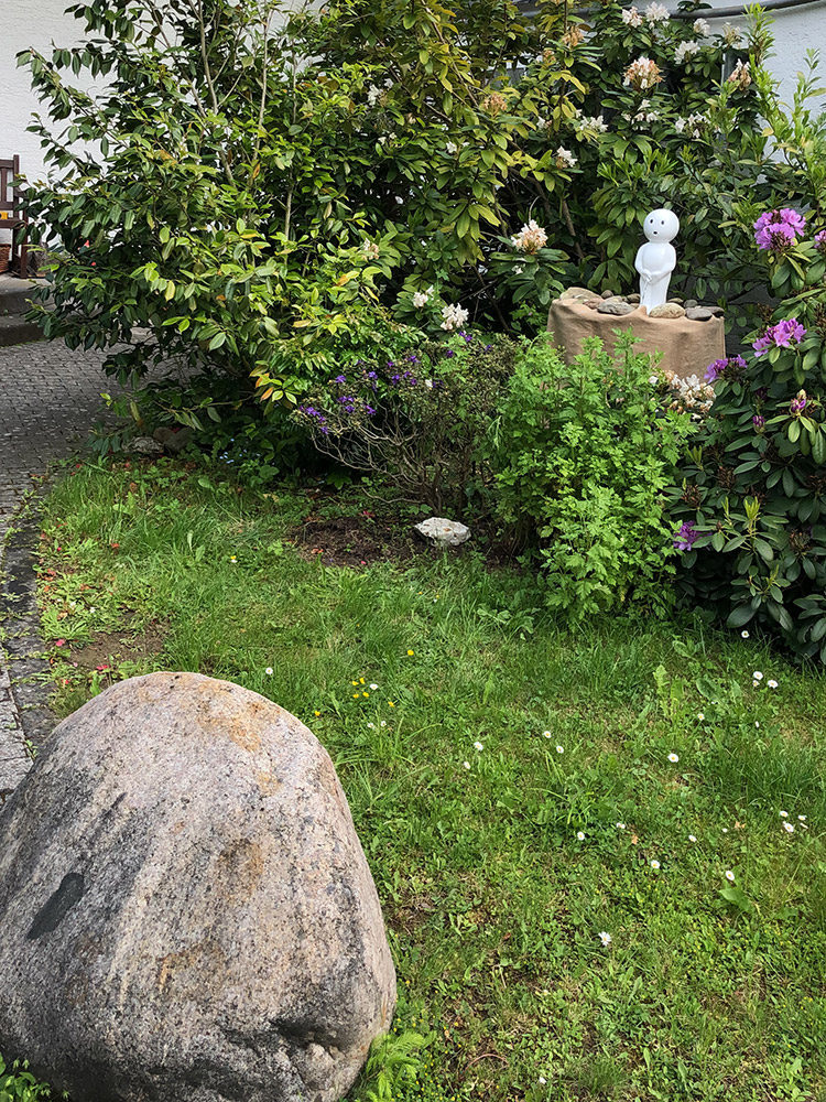 REF_4300_Slink_Manneken_Pis_Brunnenfigur_modern_Skulptur_Zierbrunnen_Garten_Springbrunnen_Bruessel_Belgien_modern_stylisch_4