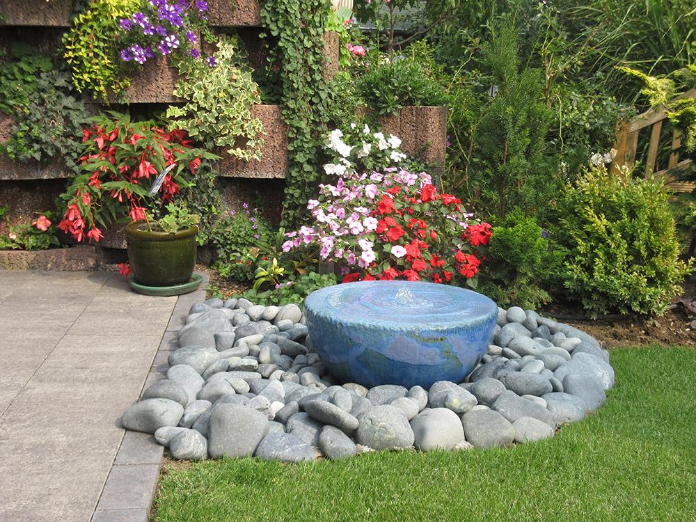 REF_5344_Slink_Keramikbrunnen_Gartenbrunnen_Kunst_im_Garten_Deko_Kunsthandwerk_1