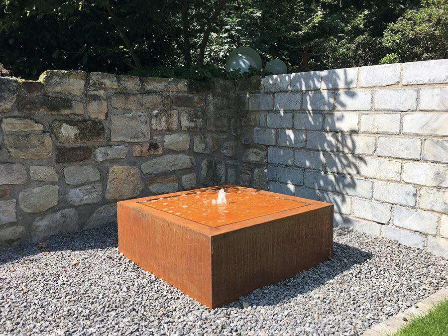 Edelrost-Gartenbrunnen, Wasserisch, Design, Terrassenbnrunnen, Springbrunnen, Cortenstahl, modern, Ideen Garten