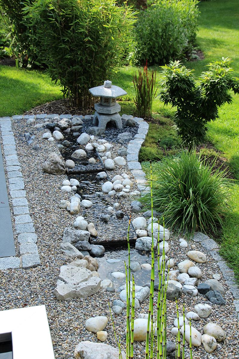 Bachlauf, Edelstahl, Garten, japanisch, Wasserlauf, Beet, Ideen, Gartengestaltung