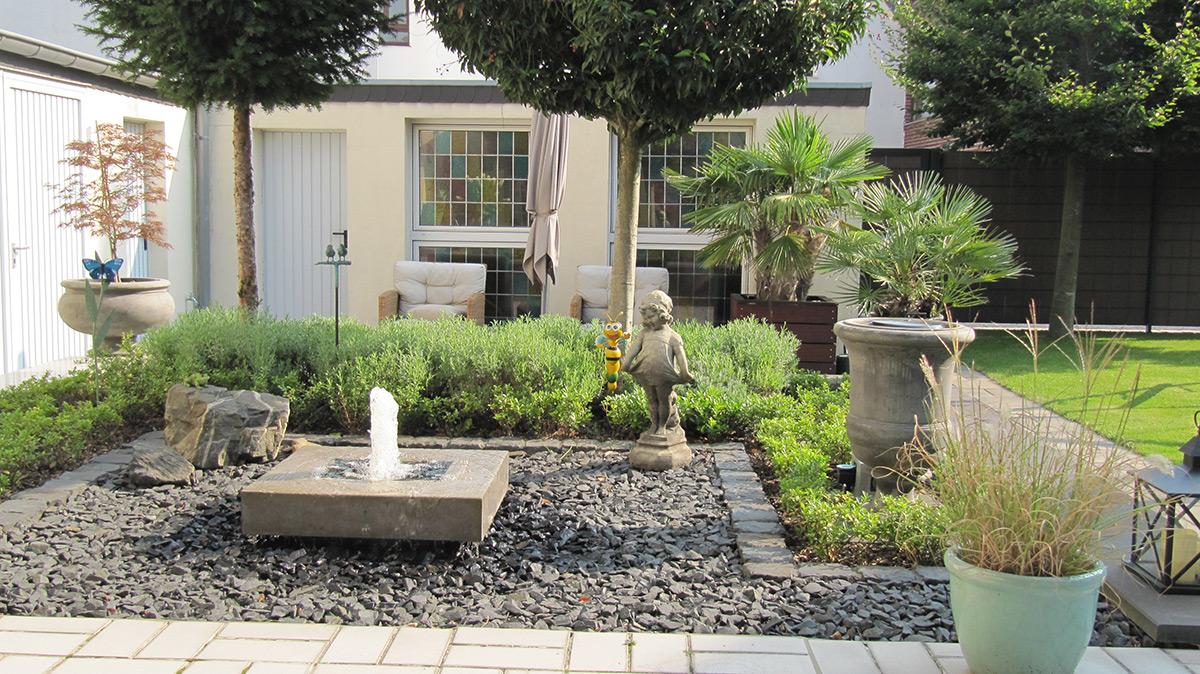 Betonbrunnen Garten, Design, Terrasse, Wasser im Garten, Kubusbrunnen, modern, schlicht