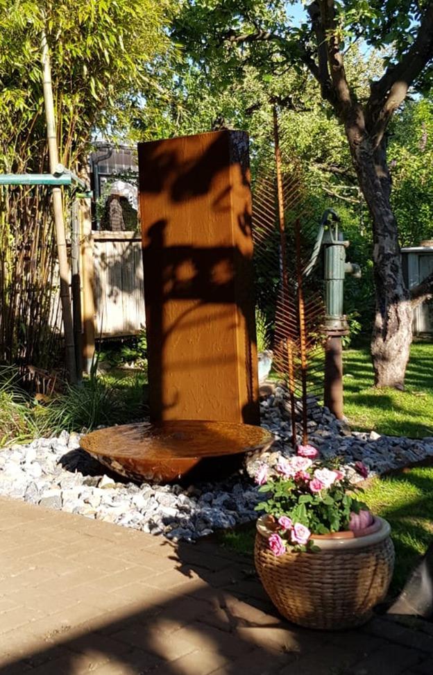 RF_Slink_Cortenstahl-Wasserschale_Cortenschale_Gartenbrunnen_Cortenstahl-Stele_modern_01