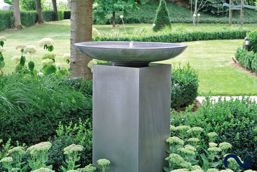 Slink Lyon Zink-Wasserschale Zinkbrunnen Terrassenbrunnen Gartenbrunnen modern